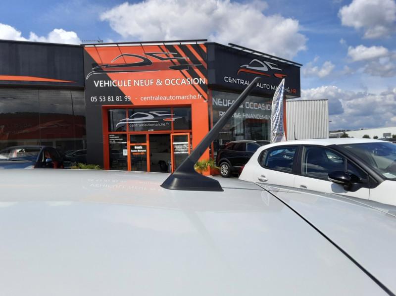 Photo 19 de l'offre de RENAULT CLIO Blue dCi 85 Business à 14700€ chez Centrale Auto Marché Mussidan