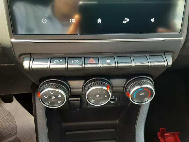 Photo 46 de l'offre de RENAULT CLIO Blue dCi 85 Business à 14700€ chez Centrale Auto Marché Mussidan