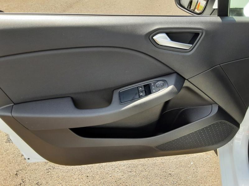 Photo 28 de l'offre de RENAULT CLIO Blue dCi 85 Business à 14700€ chez Centrale Auto Marché Mussidan