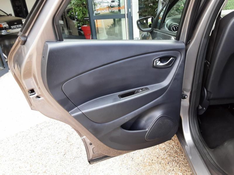 Photo 22 de l'offre de RENAULT CAPTUR Captur dCi 90 E6C Business à 13890€ chez Centrale Auto Marché Mussidan