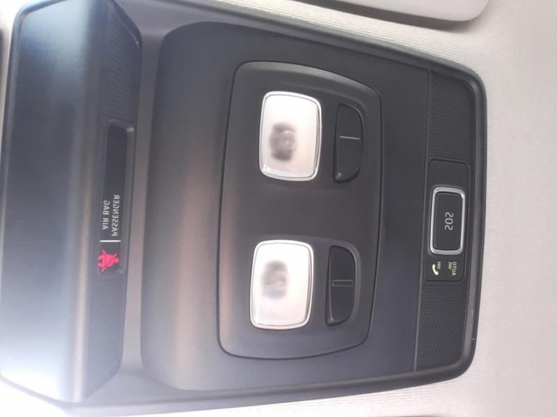 Photo 45 de l'offre de RENAULT CLIO Blue dCi 85 Business à 14700€ chez Centrale Auto Marché Mussidan