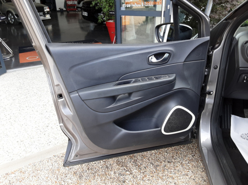 Photo 20 de l'offre de RENAULT CAPTUR Captur dCi 90 E6C Business à 13890€ chez Centrale Auto Marché Mussidan