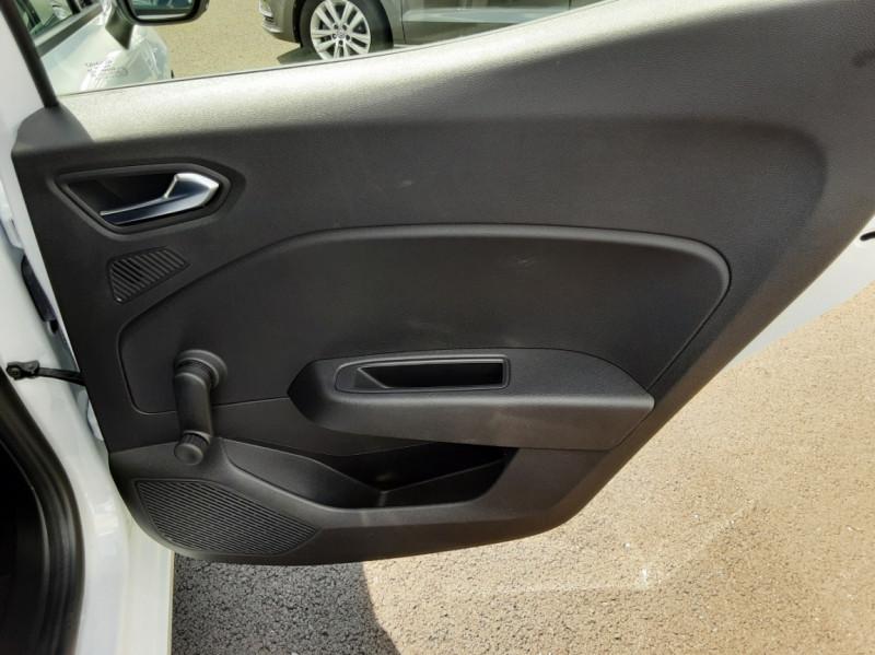 Photo 16 de l'offre de RENAULT CLIO Blue dCi 85 Business à 14700€ chez Centrale Auto Marché Mussidan