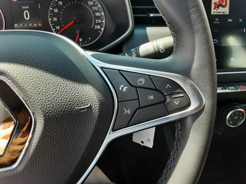 Photo 40 de l'offre de RENAULT CLIO Blue dCi 85 Business à 14700€ chez Centrale Auto Marché Mussidan