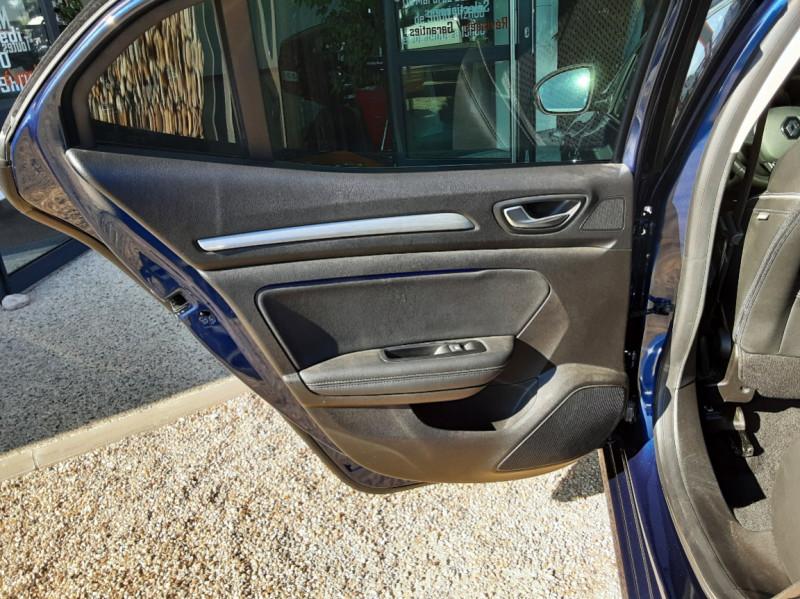 Photo 24 de l'offre de RENAULT MEGANE IV Berline Blue dCi 115 EDC Intens à 17990€ chez Centrale Auto Marché Mussidan