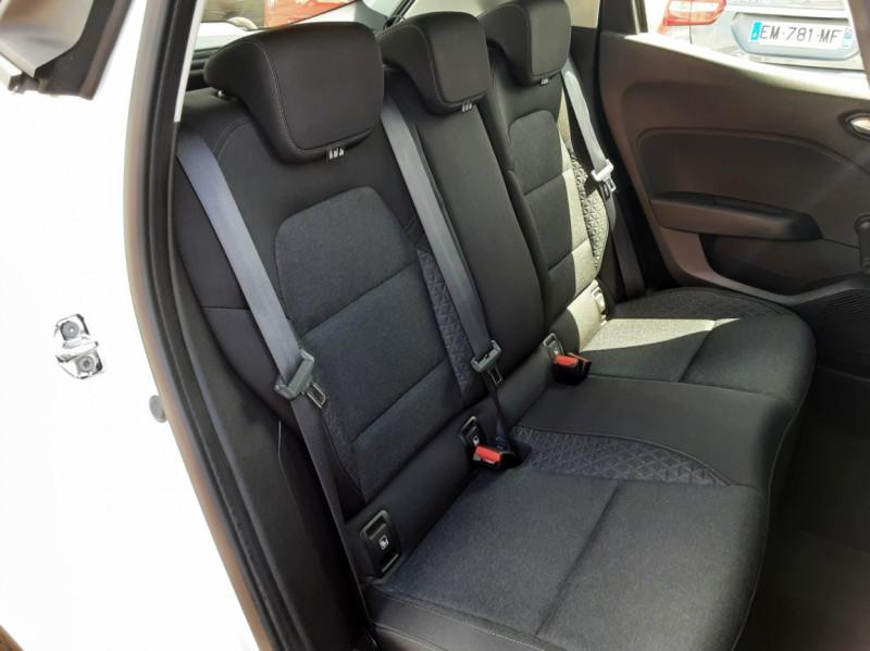Photo 14 de l'offre de RENAULT CLIO Blue dCi 85 Business à 14700€ chez Centrale Auto Marché Mussidan