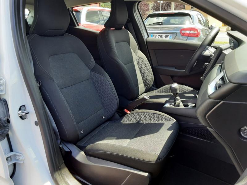 Photo 23 de l'offre de RENAULT CLIO Blue dCi 85 Business à 14700€ chez Centrale Auto Marché Mussidan