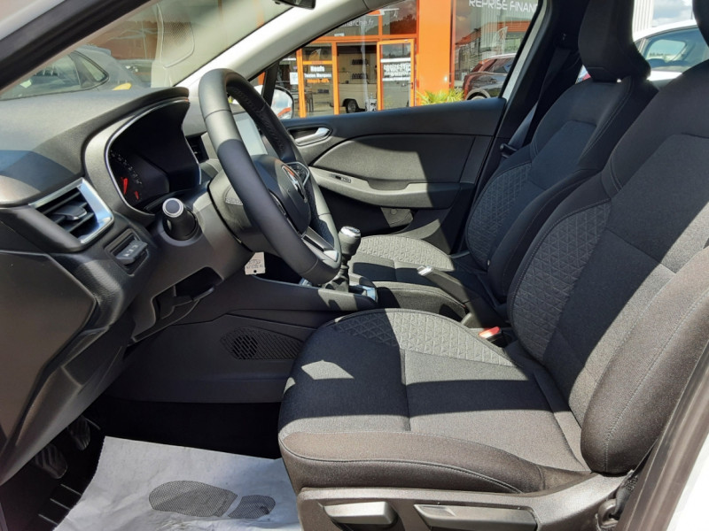 Photo 26 de l'offre de RENAULT CLIO Blue dCi 85 Business à 14700€ chez Centrale Auto Marché Mussidan