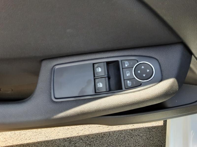 Photo 24 de l'offre de RENAULT CLIO Blue dCi 85 Business à 14700€ chez Centrale Auto Marché Mussidan