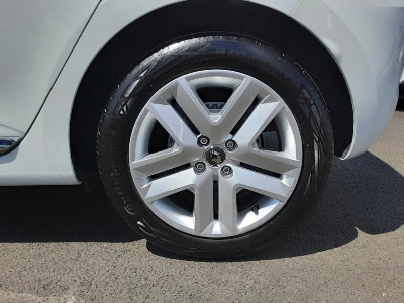 Photo 48 de l'offre de RENAULT CLIO Blue dCi 85 Business à 14700€ chez Centrale Auto Marché Mussidan