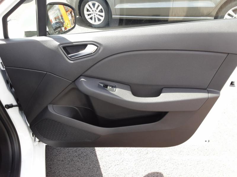 Photo 15 de l'offre de RENAULT CLIO Blue dCi 85 Business à 14700€ chez Centrale Auto Marché Mussidan