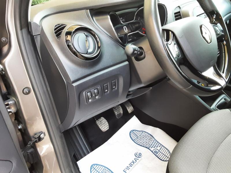 Photo 33 de l'offre de RENAULT CAPTUR dCi 110 Energy Business à 12490€ chez Centrale Auto Marché Mussidan