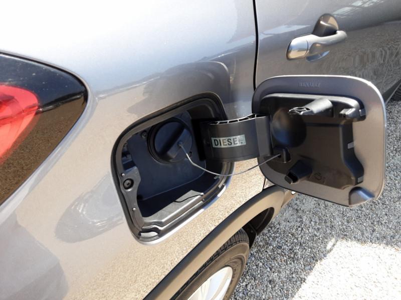 Photo 28 de l'offre de RENAULT CAPTUR dCi 110 Energy Business à 12490€ chez Centrale Auto Marché Mussidan