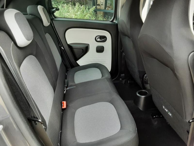 Photo 41 de l'offre de RENAULT TWINGO III 0.9 TCe 90 Energy Zen  à 8990€ chez Centrale Auto Marché Mussidan