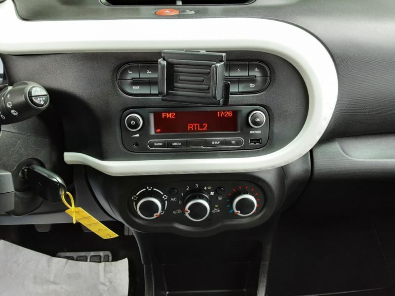Photo 36 de l'offre de RENAULT TWINGO III 0.9 TCe 90 Energy Zen  à 8990€ chez Centrale Auto Marché Mussidan