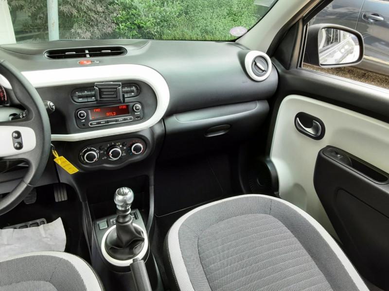 Photo 29 de l'offre de RENAULT TWINGO III 0.9 TCe 90 Energy Zen  à 8990€ chez Centrale Auto Marché Mussidan