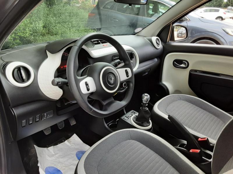 Photo 24 de l'offre de RENAULT TWINGO III 0.9 TCe 90 Energy Zen  à 8990€ chez Centrale Auto Marché Mussidan