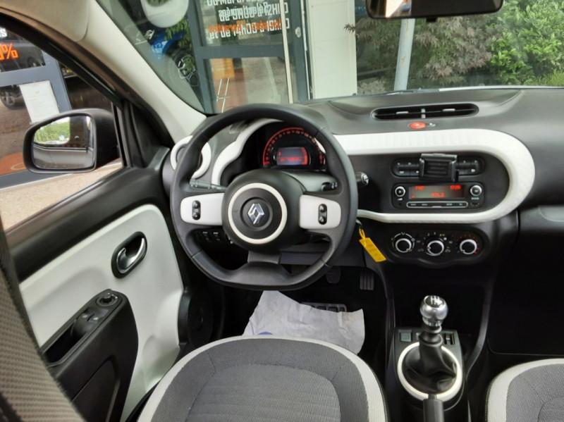 Photo 28 de l'offre de RENAULT TWINGO III 0.9 TCe 90 Energy Zen  à 8990€ chez Centrale Auto Marché Mussidan