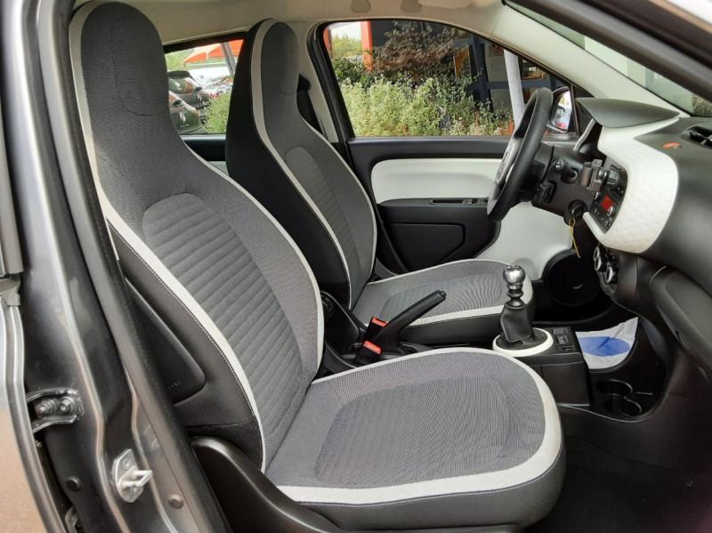 Photo 31 de l'offre de RENAULT TWINGO III 0.9 TCe 90 Energy Zen  à 8990€ chez Centrale Auto Marché Mussidan