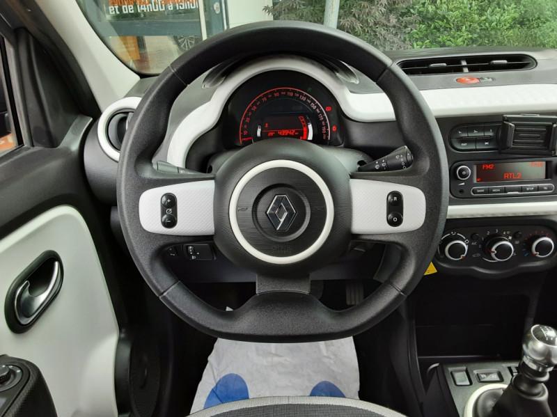 Photo 33 de l'offre de RENAULT TWINGO III 0.9 TCe 90 Energy Zen  à 8990€ chez Centrale Auto Marché Mussidan