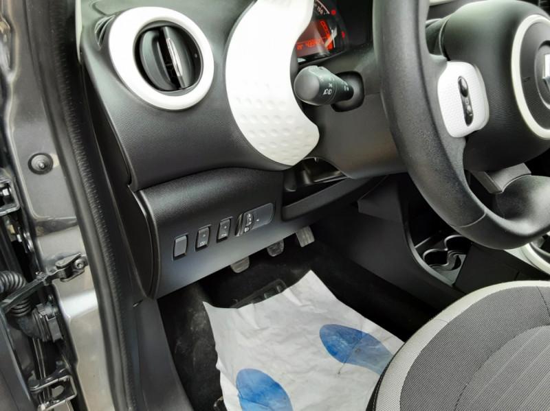 Photo 37 de l'offre de RENAULT TWINGO III 0.9 TCe 90 Energy Zen  à 8990€ chez Centrale Auto Marché Mussidan