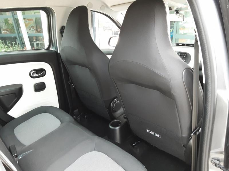 Photo 27 de l'offre de RENAULT TWINGO III 0.9 TCe 90 Energy Zen  à 8990€ chez Centrale Auto Marché Mussidan