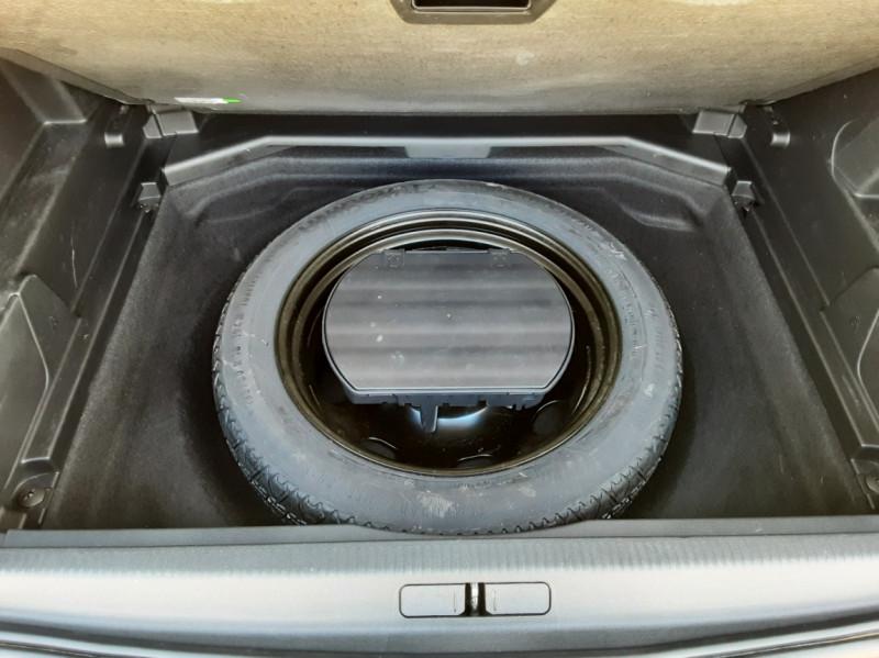 Photo 15 de l'offre de PEUGEOT 3008 1.6 BlueHDi 120ch SetS EAT6 Active Business à 19900€ chez Centrale Auto Marché Mussidan