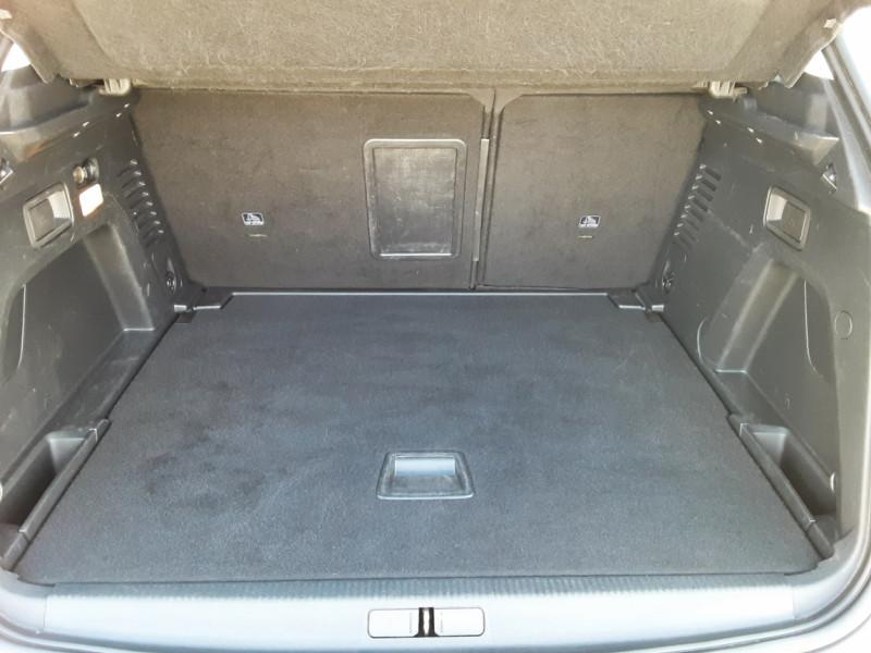 Photo 14 de l'offre de PEUGEOT 3008 1.6 BlueHDi 120ch SetS EAT6 Active Business à 19900€ chez Centrale Auto Marché Mussidan
