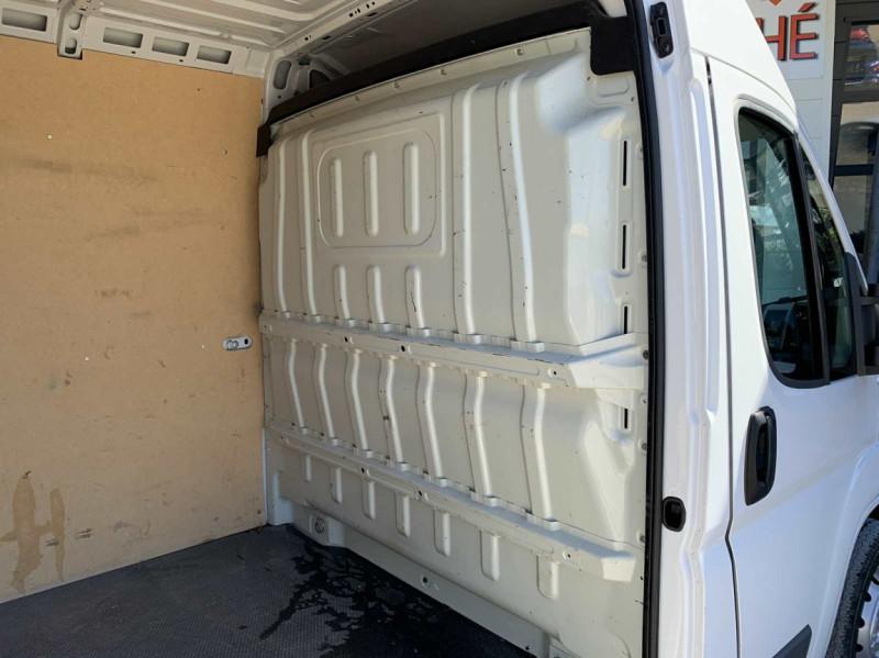 Photo 27 de l'offre de FIAT DUCATO 3.0 C H2 2.0 MJT 115 EURO 6 PACK PRO NAV à 18500€ chez Centrale Auto Marché Mussidan