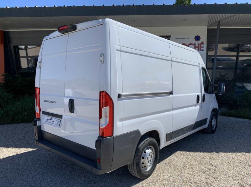 Photo 19 de l'offre de FIAT DUCATO 3.0 C H2 2.0 MJT 115 EURO 6 PACK PRO NAV à 18500€ chez Centrale Auto Marché Mussidan