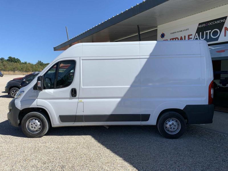 Photo 24 de l'offre de FIAT DUCATO 3.0 C H2 2.0 MJT 115 EURO 6 PACK PRO NAV à 18500€ chez Centrale Auto Marché Mussidan