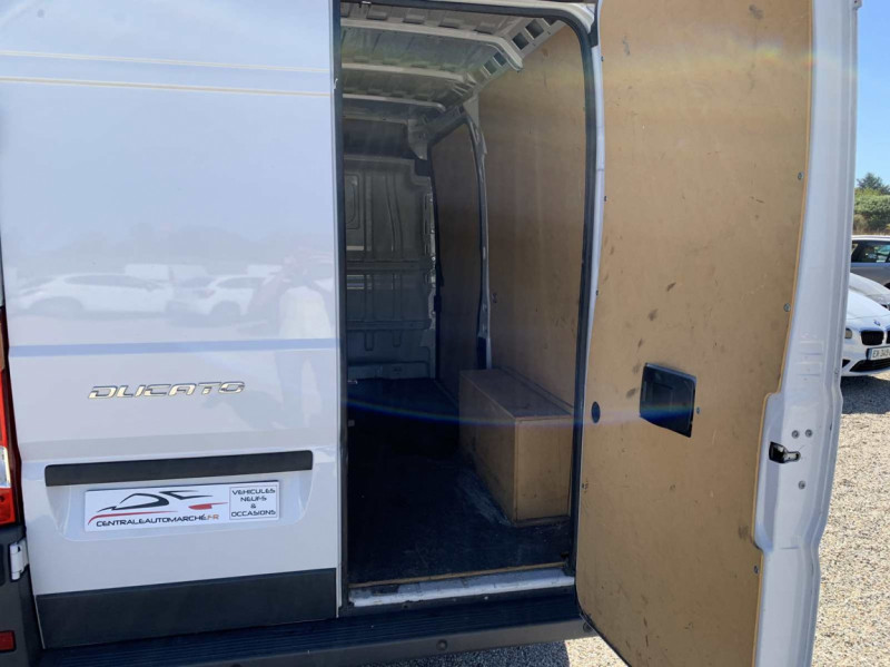 Photo 11 de l'offre de FIAT DUCATO 3.0 C H2 2.0 MJT 115 EURO 6 PACK PRO NAV à 18500€ chez Centrale Auto Marché Mussidan