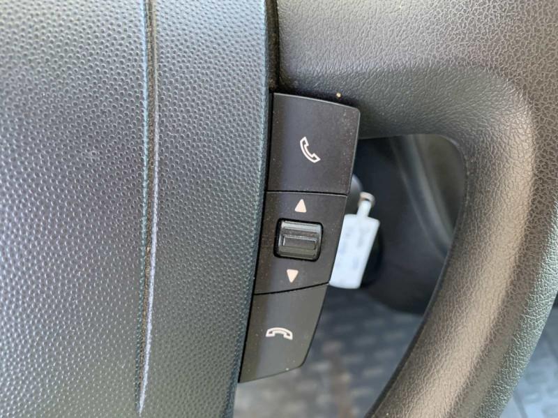 Photo 46 de l'offre de FIAT DUCATO 3.0 C H2 2.0 MJT 115 EURO 6 PACK PRO NAV à 18500€ chez Centrale Auto Marché Mussidan