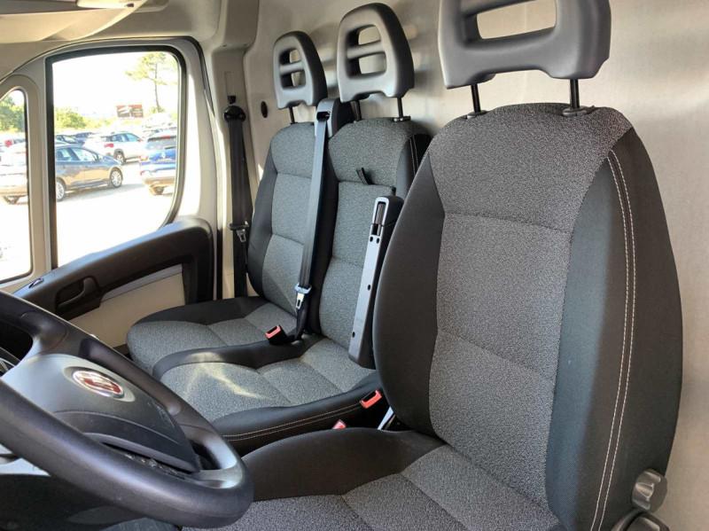 Photo 33 de l'offre de FIAT DUCATO 3.0 C H2 2.0 MJT 115 EURO 6 PACK PRO NAV à 18500€ chez Centrale Auto Marché Mussidan