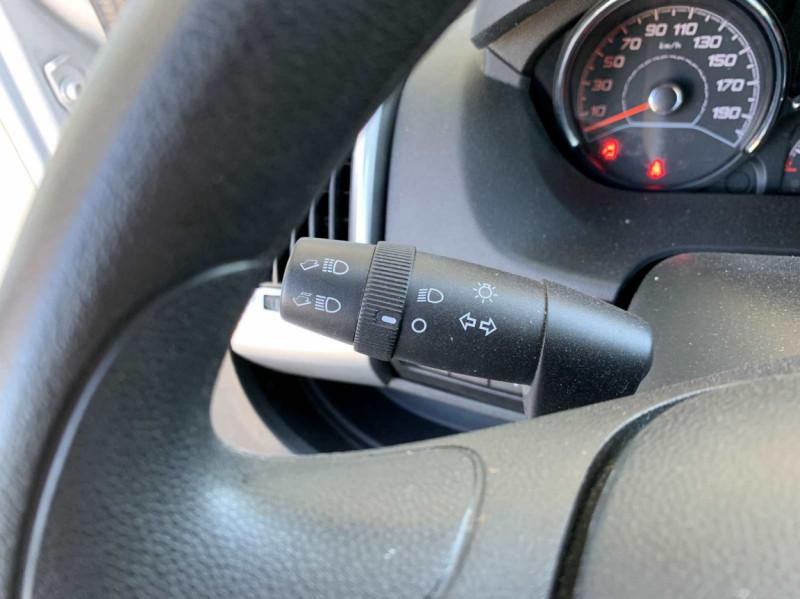 Photo 14 de l'offre de FIAT DUCATO 3.0 C H2 2.0 MJT 115 EURO 6 PACK PRO NAV à 18500€ chez Centrale Auto Marché Mussidan