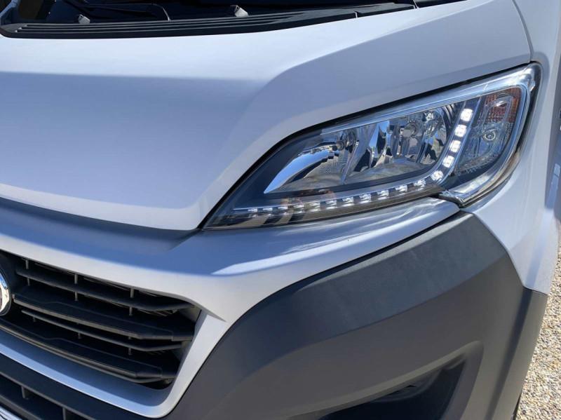 Photo 18 de l'offre de FIAT DUCATO 3.0 C H2 2.0 MJT 115 EURO 6 PACK PRO NAV à 18500€ chez Centrale Auto Marché Mussidan
