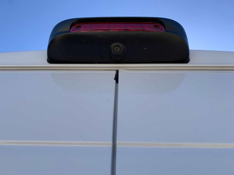 Photo 8 de l'offre de FIAT DUCATO 3.0 C H2 2.0 MJT 115 EURO 6 PACK PRO NAV à 18500€ chez Centrale Auto Marché Mussidan