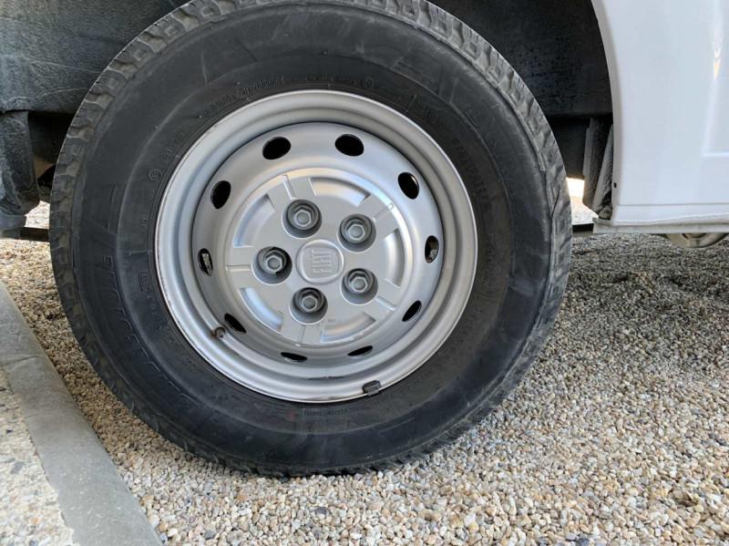 Photo 25 de l'offre de FIAT DUCATO 3.0 C H2 2.0 MJT 115 EURO 6 PACK PRO NAV à 18500€ chez Centrale Auto Marché Mussidan