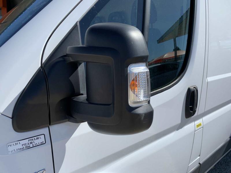 Photo 36 de l'offre de FIAT DUCATO 3.0 C H2 2.0 MJT 115 EURO 6 PACK PRO NAV à 18500€ chez Centrale Auto Marché Mussidan
