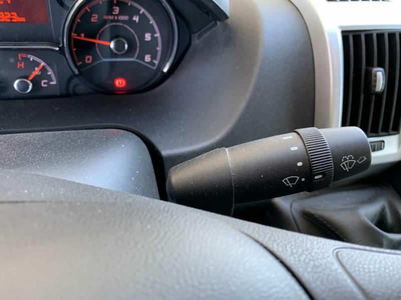 Photo 20 de l'offre de FIAT DUCATO 3.0 C H2 2.0 MJT 115 EURO 6 PACK PRO NAV à 18500€ chez Centrale Auto Marché Mussidan