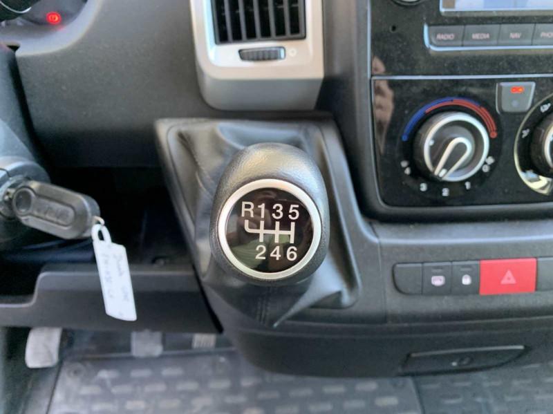 Photo 21 de l'offre de FIAT DUCATO 3.0 C H2 2.0 MJT 115 EURO 6 PACK PRO NAV à 18500€ chez Centrale Auto Marché Mussidan
