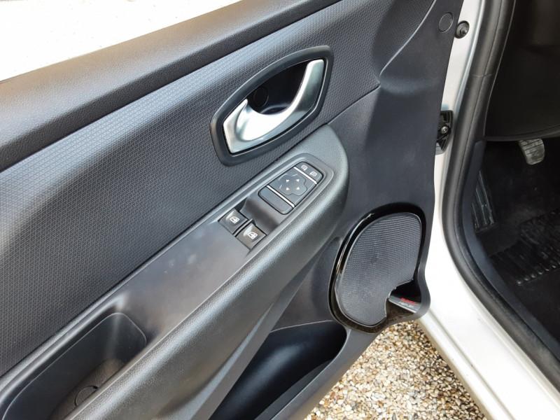 Photo 41 de l'offre de RENAULT CLIO Clio TCe 90 Energy Limited à 9990€ chez Centrale Auto Marché Mussidan