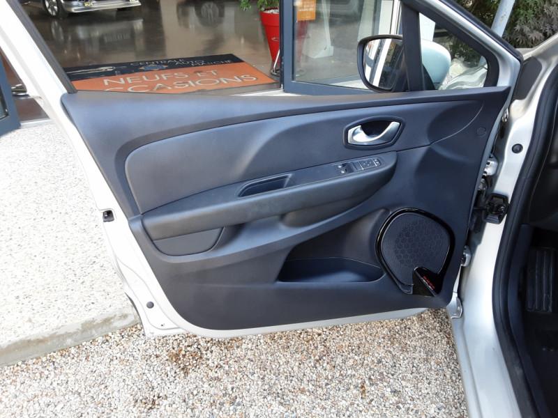 Photo 38 de l'offre de RENAULT CLIO Clio TCe 90 Energy Limited à 9990€ chez Centrale Auto Marché Mussidan