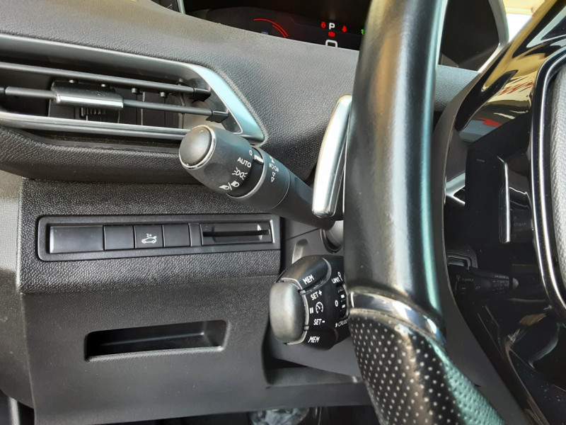 Photo 19 de l'offre de PEUGEOT 3008 BlueHDi 180ch SetS EAT6 GT  à 26490€ chez Centrale Auto Marché Mussidan