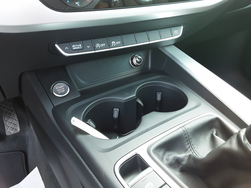 Photo 23 de l'offre de AUDI A4 A4 2.0 TDI 150 Business Line à 18490€ chez Centrale Auto Marché Mussidan