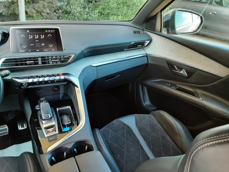 Photo 10 de l'offre de PEUGEOT 3008 BlueHDi 180ch SetS EAT6 GT  à 26490€ chez Centrale Auto Marché Mussidan