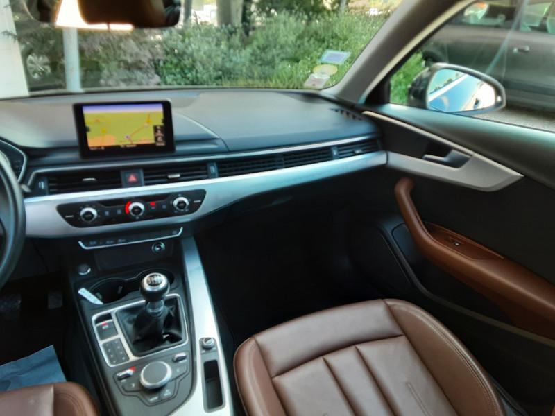 Photo 15 de l'offre de AUDI A4 A4 2.0 TDI 150 Business Line à 18490€ chez Centrale Auto Marché Mussidan
