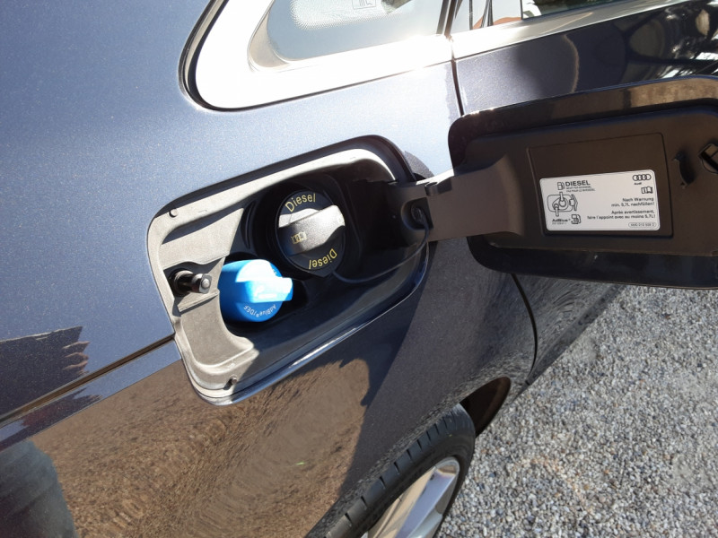Photo 47 de l'offre de AUDI A4 A4 2.0 TDI 150 Business Line à 18490€ chez Centrale Auto Marché Mussidan