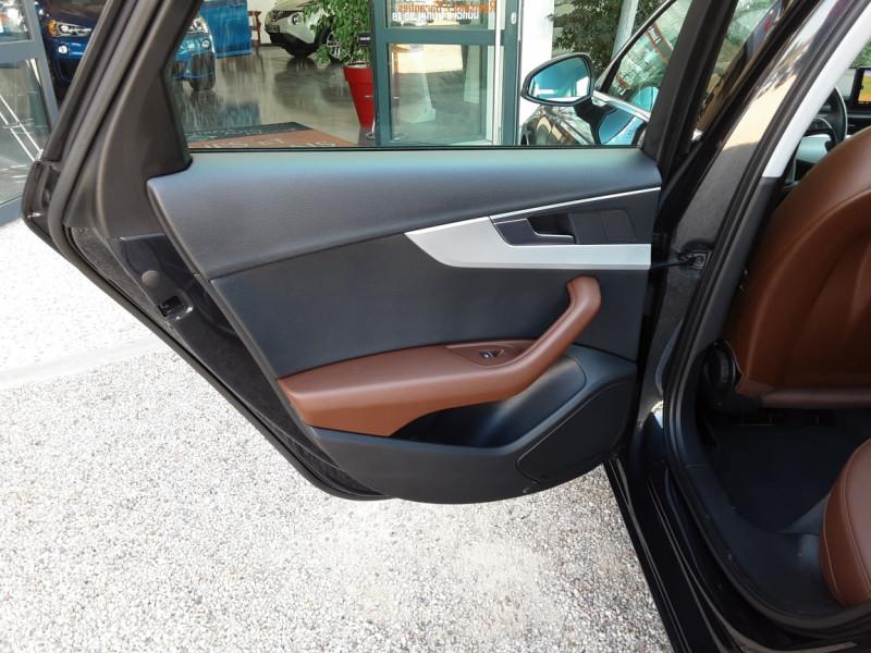 Photo 42 de l'offre de AUDI A4 A4 2.0 TDI 150 Business Line à 18490€ chez Centrale Auto Marché Mussidan