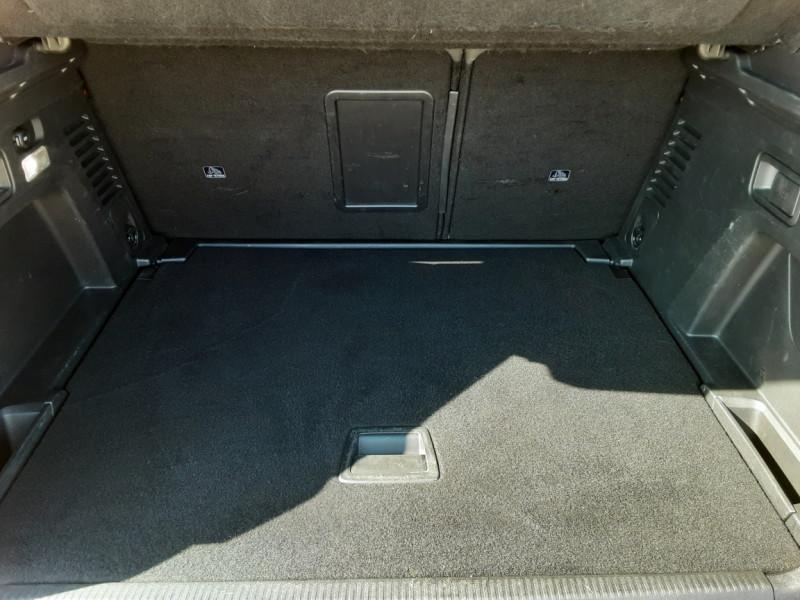 Photo 36 de l'offre de PEUGEOT 3008 BlueHDi 180ch SetS EAT6 GT  à 26490€ chez Centrale Auto Marché Mussidan